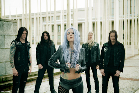 Band Photo   Arch Enemy 2 (JPG)